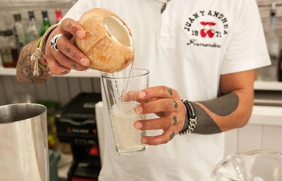 Juan y ANdra Coctail Genuine Coconut